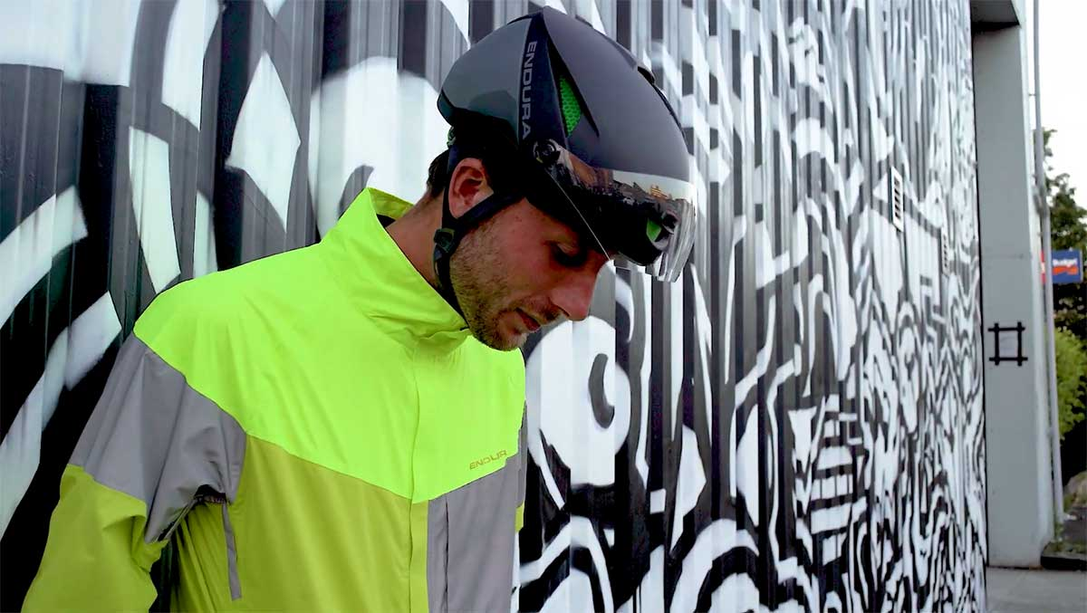 Endura saca un casco para bicicletas eléctricas de 45 km/h