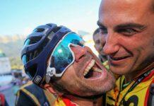 La UCI pide a los ciclistas que no se toquen entre ellos
