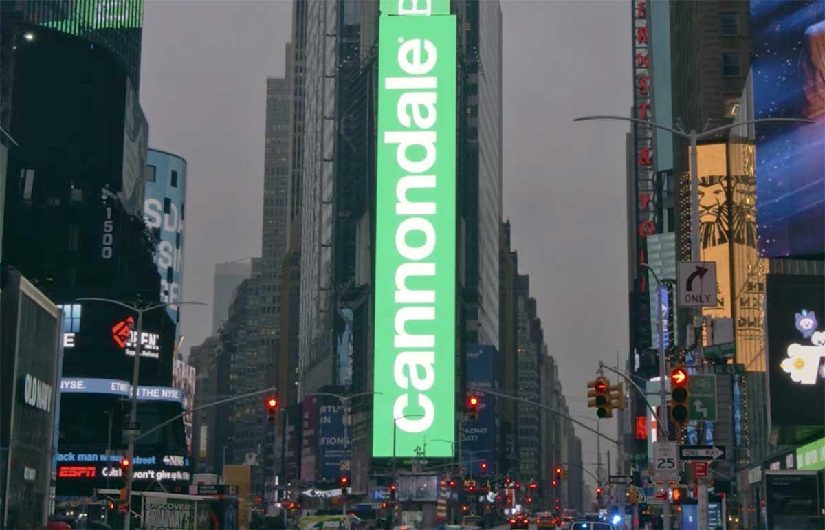 La impresionante campaña publicitaria en Times Square de Cannondale
