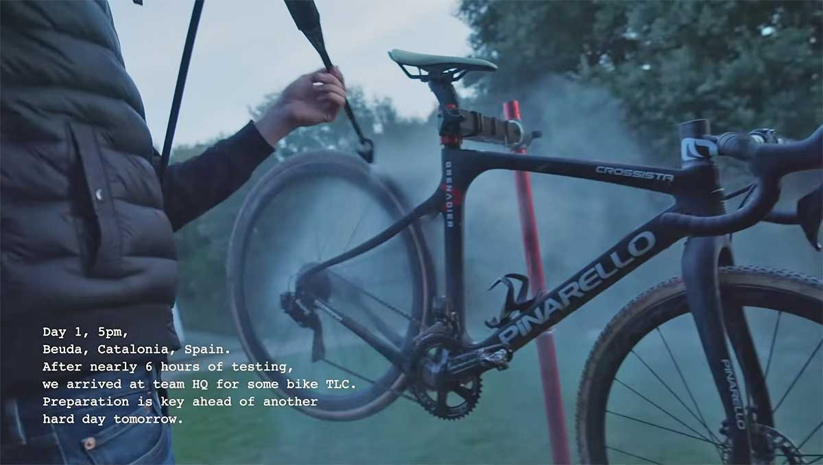 Video-Asi-es-el-equipo-de-mountain-bike-del-Ineos-Grenadier-tom-pidcock