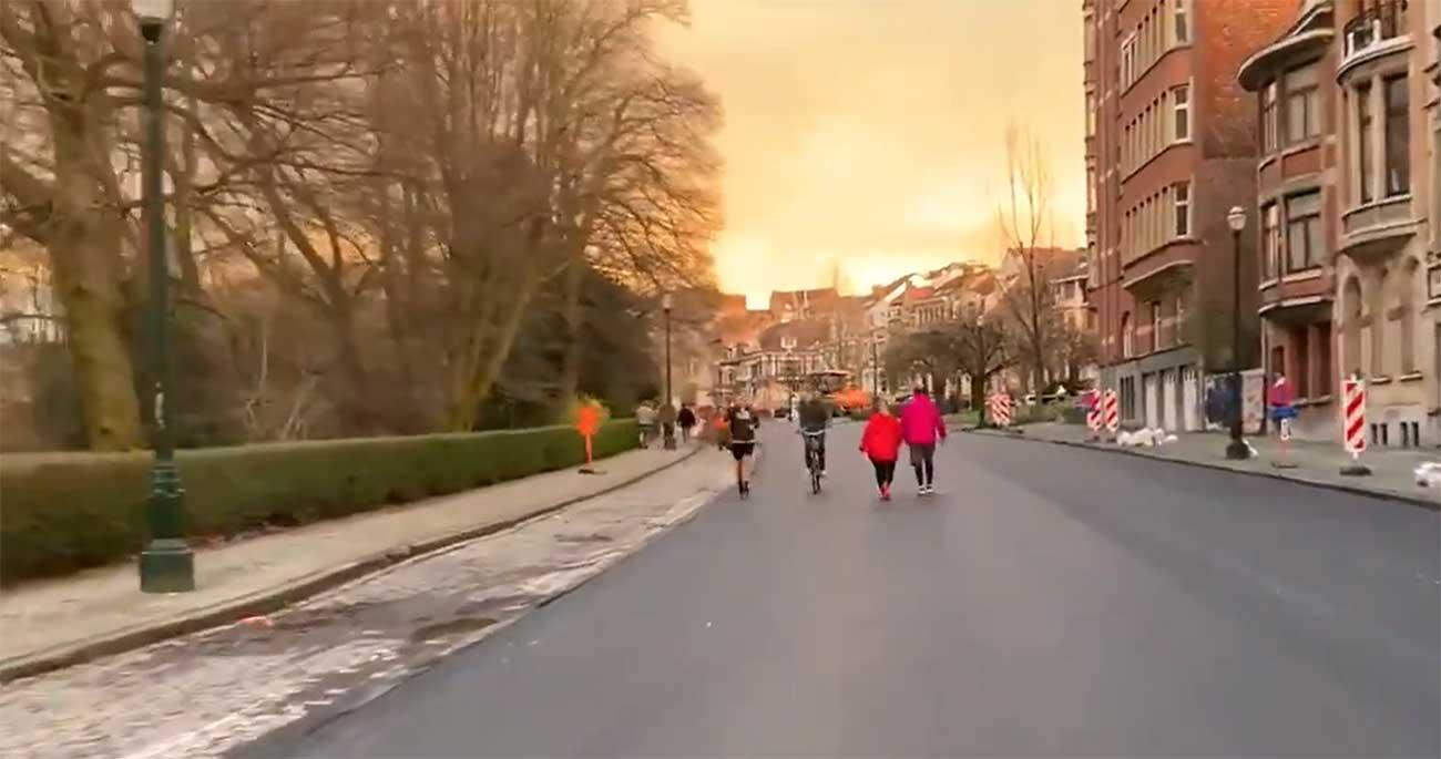 Vídeo: La tranquilidad de una céntrica calle sin coches