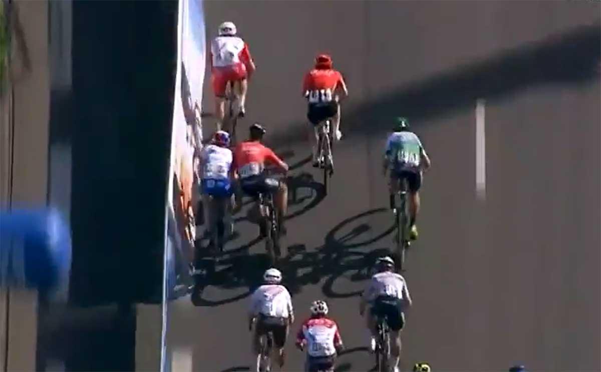Video-Sancionara-la-UCI-a-Nacer-Bouhanni-por-jugar-sucio-en-el-esprin-de-la-Cholet_pays.
