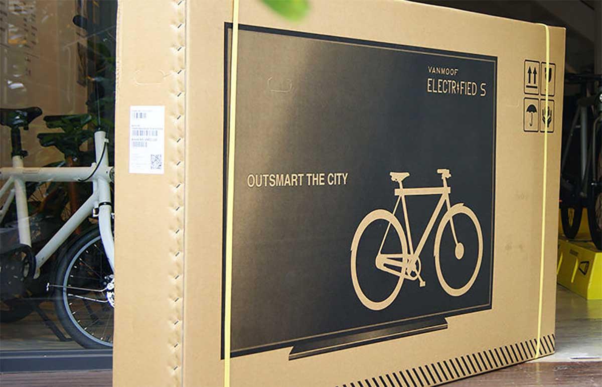 Camuflar-bicicletas-en-cajas-de-televisores-para-que-las-empresas-de-transporte-no-las-rompan