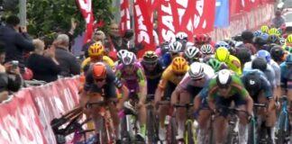 Video-Espectacular-montonera-en-el-esprin-del-Tour-de-Turquia