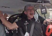 Video-Big-party-La-emocion-dentro-del-coche-de-equipo-de-Taco-Van-Der-Hoorn-tras-su-victoria-en-el-Giro-de-italia-valerio-piva