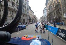 Video-El-cambio-de-bicicleta-mas-rapido-del-Giro-de-Filippo-Ganna-en-la-contrarreloj-final-ineos
