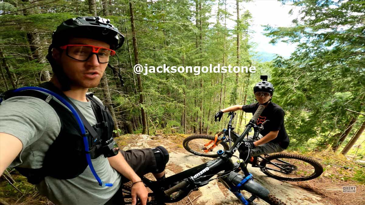 Video-Jackson-Goldstone-y-Remy-Metailler-juntos-y-revueltos-en-Squamish