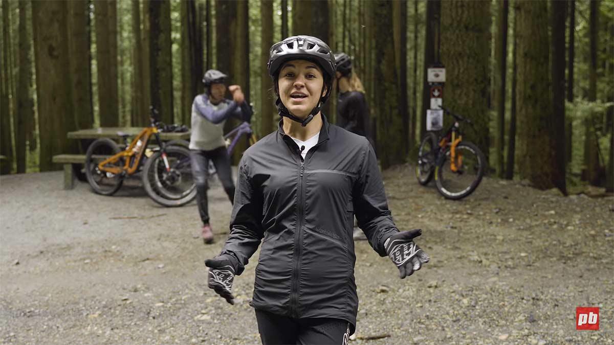 Vídeo: Una de chicas ciclistas.