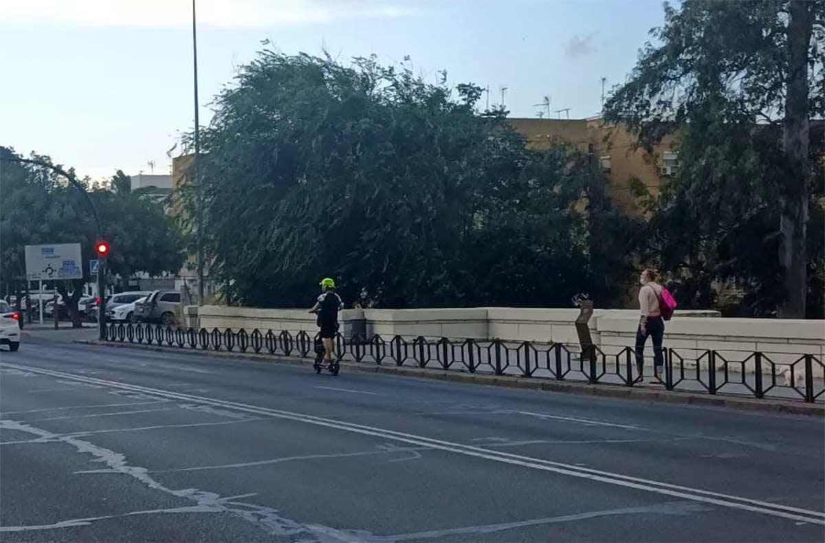 20-km-hora-ruedas-de-12-matricula-curso-de-manejo-y-prohibido-el-uso-privado-de-patinetes-electricos-en-Londres