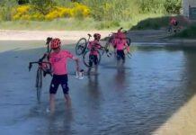 Video-Atravesando-rios-El-equipo-EF-Education-First-se-pierde-antes-de-la-clasica-de-Mont-Ventoux-bicicleta
