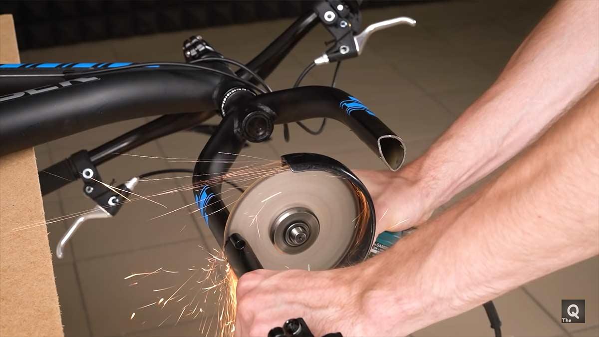 Como-fabricarte-tu-mismo-una-bicicleta-sin-bujes-de-aspecto-futurista-video