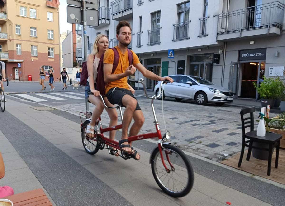 Los nuevos pisos deberán tener como mínimo 1,5 aparcamientos para bicicletas por vivienda