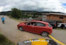Vídeo: ¡De locos!. Un coche se cruza en medio del circuito de la Copa del Mundo de Les Gets