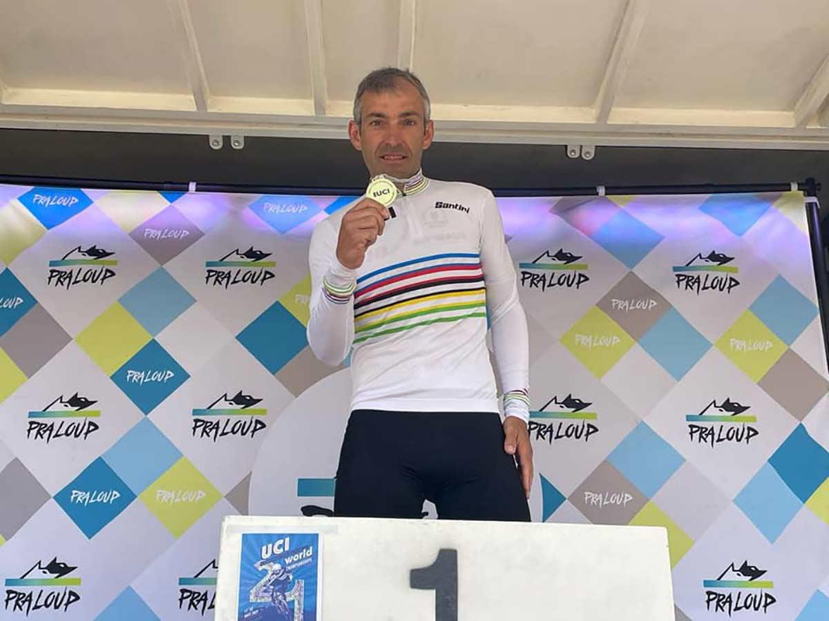 El español Patxi Cia campeón del mundo de moutain bike XCO 2021 en Master 40