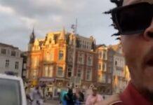 """La policía holandesa """"invita"""" a un famoso rapero americano a entrar en el coche patrulla tras usar el móvil en bicicleta"""