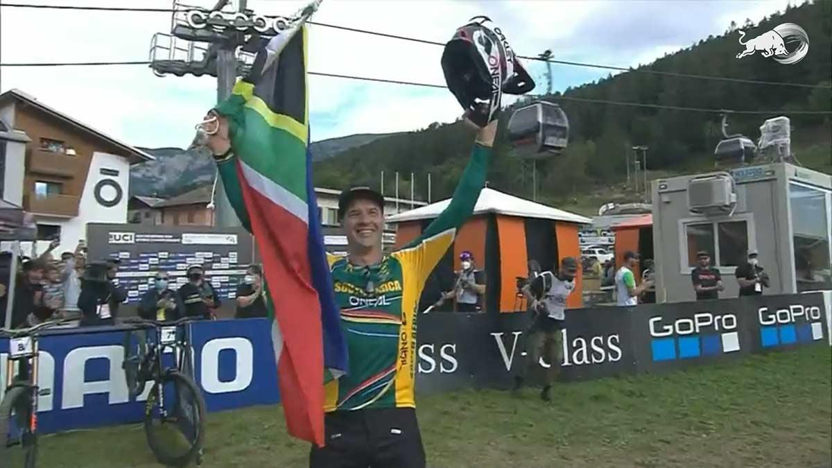 ¡OMG! Greg Minnaar campeón del mundo 2021 de Descenso en bicicleta de montaña