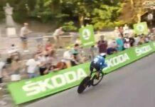Video-La-salvada-de-Enric-Mas-en-la-crono-de-Burgos-de-La-Vuelta