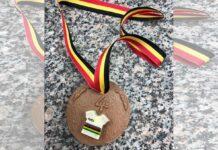 Su-tio-le-regala-la-autentica-medalla-de-chocolate-tras-el-Mundial-de-Flandes-Esto-fue-lo-que-le-ocurrio-al-ciclista-de-la-seleccion-belga-Jasper-Stuyven