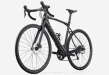 4.400E-la-bicicleta-electrica-de-carretera-mas-barata-de-Pinarello-nytro-roadstar-105-e-bike